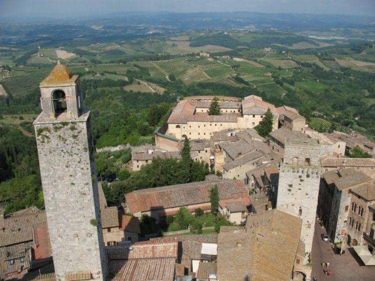 Vista a partir da Torre Grossa em San Gimignano.