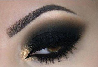 Olho sombra preta