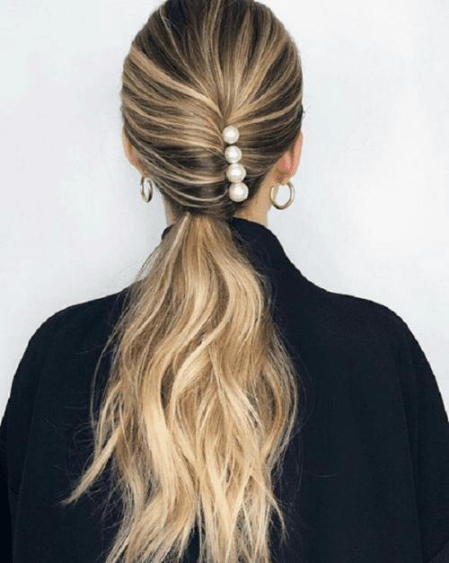 Prendedores de cabelos: penteados.