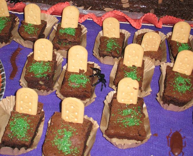 Cemitério de brownie para o Halloween