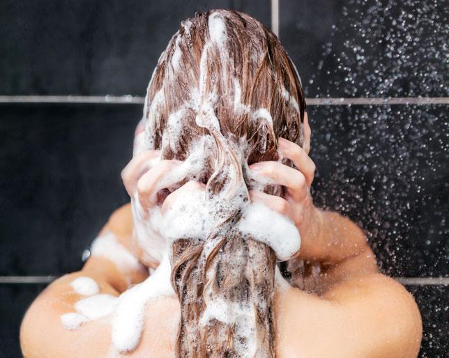 Como lavar corretamente os cabelos