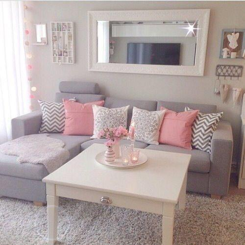 Rosa e azul na sala de estar - aconchego e tranquilidade