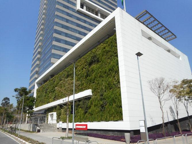 jardim vertical urbano:É uma tendência que vem ganhando mais espaço tanto em fachadas de