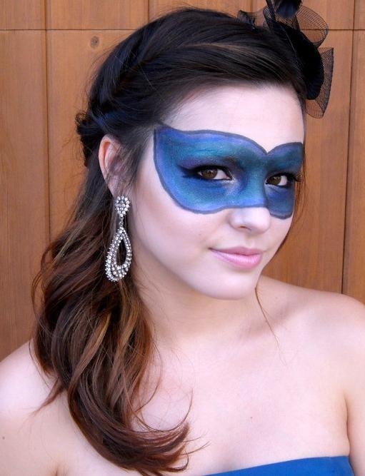 Maquiagem para usar nos desfiles dos blocos de carnaval