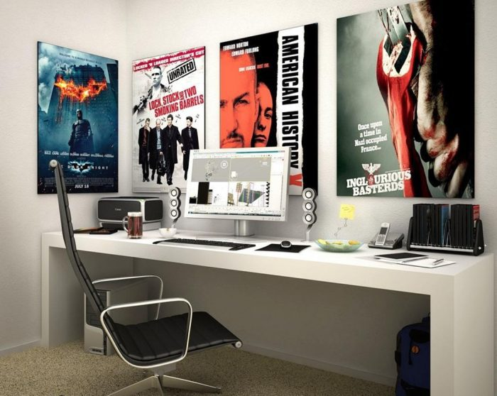 Decorando com pôsteres de filmes seu home office.