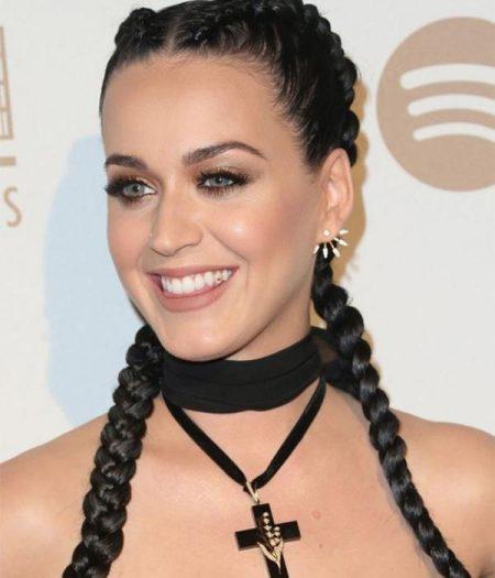Katy Perry de trança boxeadora