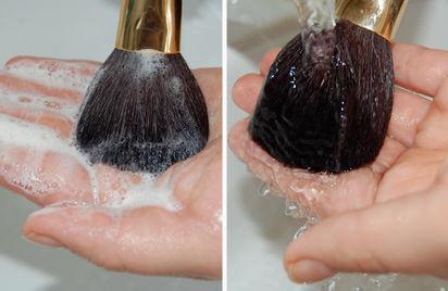 Pincéis de maquiagem limpos