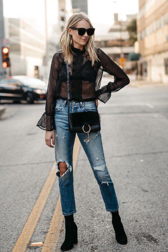 Como usar blusa transparente com calça jeans.