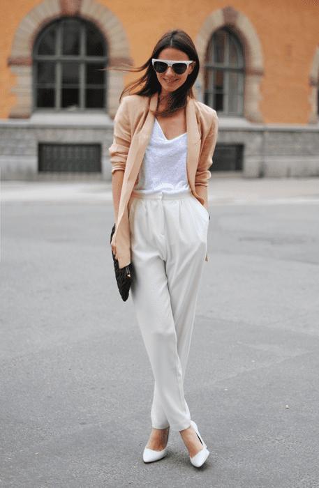 Como usar sapatos brancos com estilo.
