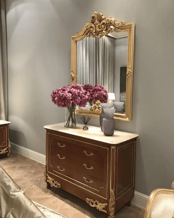 Decoração com espelhos.