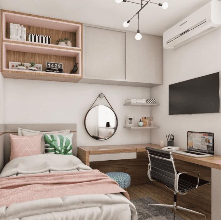 Home office no quarto.