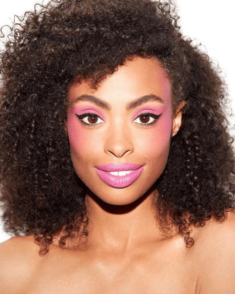 Maquiagem rosa: looks para inspiração.