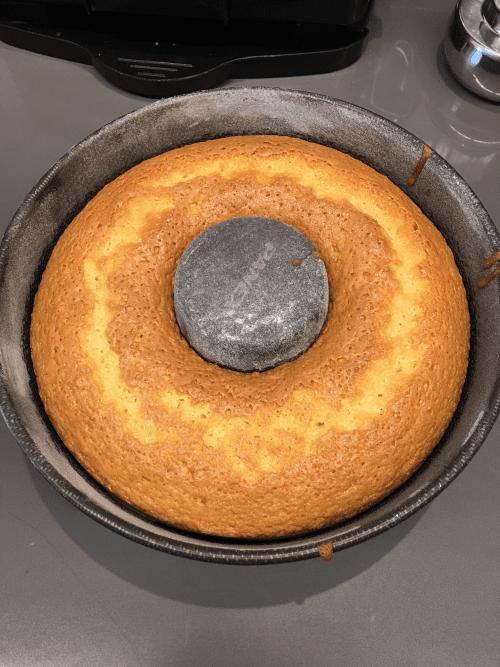 Bolo de laranja de liquidificador: receita super fácil e rápida.
